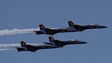 I-90 floating bridge to remain open during Blue Angels performances