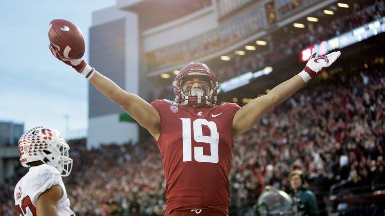 Gordon leads Cougars over Stanford 49-22