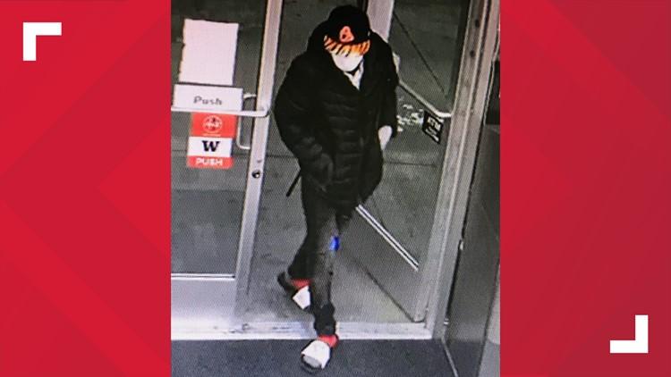 Gas station employee shot, killed in Lynnwood