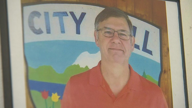 Lewis County mayor who defied governor's pandemic restrictions battles COVID-19