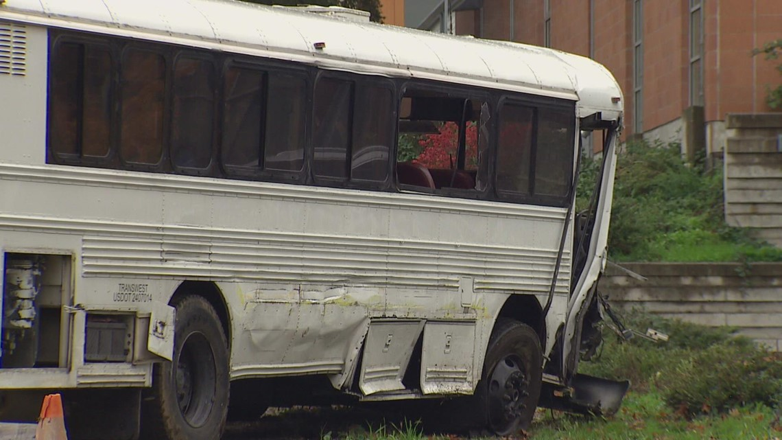 Suspect arrested after stealing school bus, hitting vehicles in Seattle
