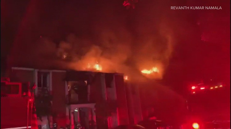 5 rescued from Bellevue apartment fire, 1 seriously injured