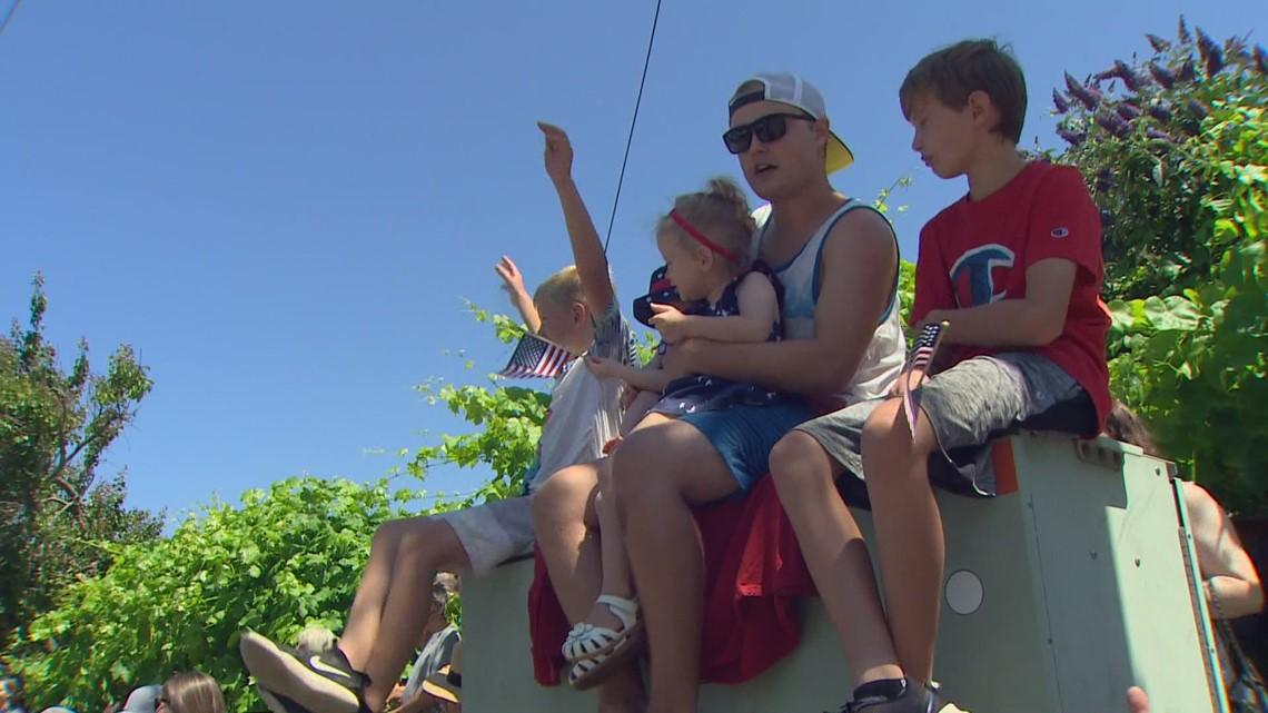 Crowds gather for Edmonds Fourth of July celebration