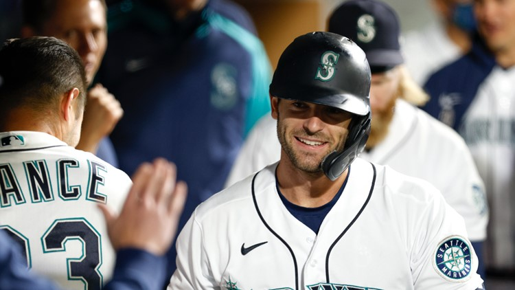 Haniger's homer helps M's beat A's 4-2, close in wild card