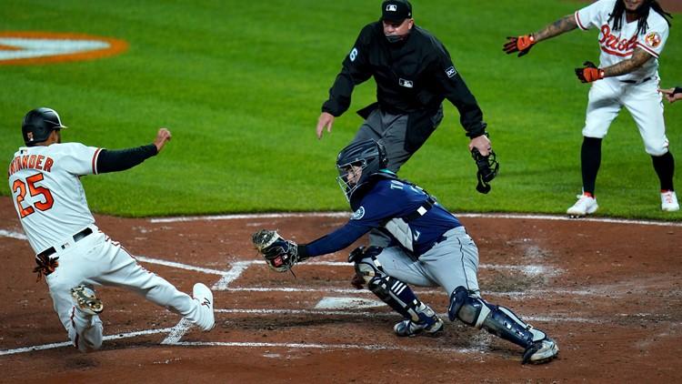Urías, Orioles beat mistake-prone Mariners, split twinbill