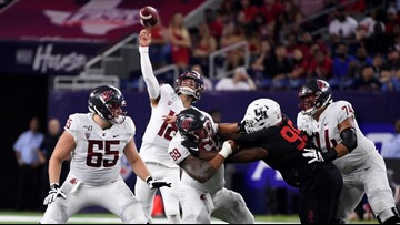 Gordon leads No. 20 Washington State over Houston 31-24
