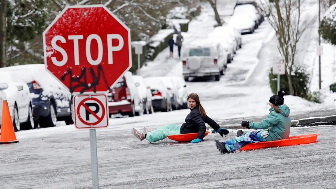 PHOTOS: Snowstorm blankets western Washington