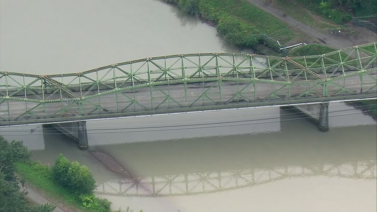 Fishing Wars Memorial Bridge over the Puyallup River opens in Tacoma