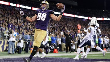 Bengals trade down, take UW's TE Sample in second round