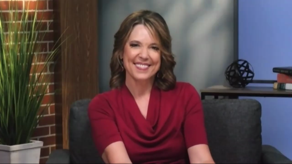 Legendary sports anchor Hannah Storm talks being part of the NFL's first all-female broadcast team - New Day NW