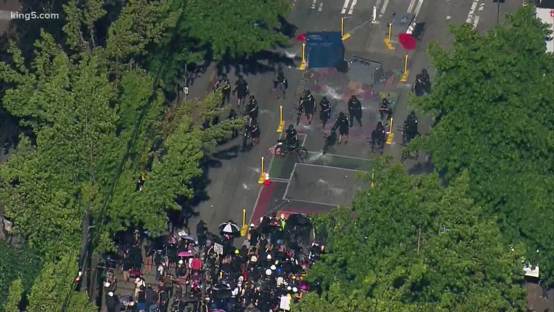Updates From Protests In Seattle S Capitol Hill Neighborhood That Turned Into A Riot King5 Com