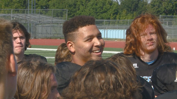 'I did it': Central Valley's Brandon Thomas returns to football field after leg amputation due to cancer