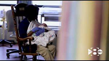 Volunteer cuddlers bring comfort to NICU babies at Texas hospital